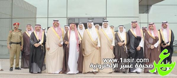 أمير حائل يتوسط الامير سلطان بن محمد والامير عبد الله بن سعد ووزيري المياه والاقتصاد